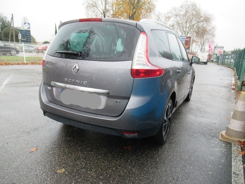 Renault Grand Scenic Iii 1.5 DCI 110CH ENERGY BOSE ECO? EURO6 7 PLACES 2015 occasion à vendre à Toulouse